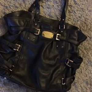 Black Micheal Kors bag